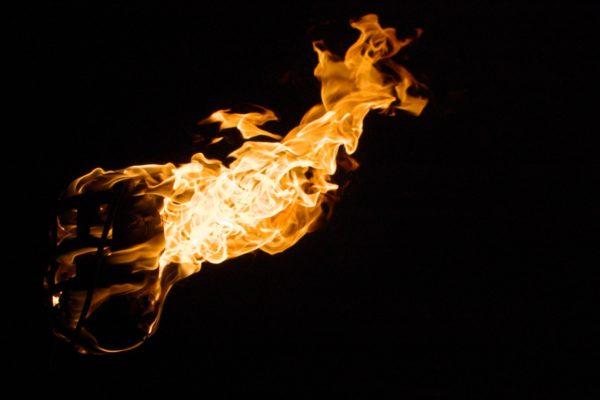 Brennender Korb